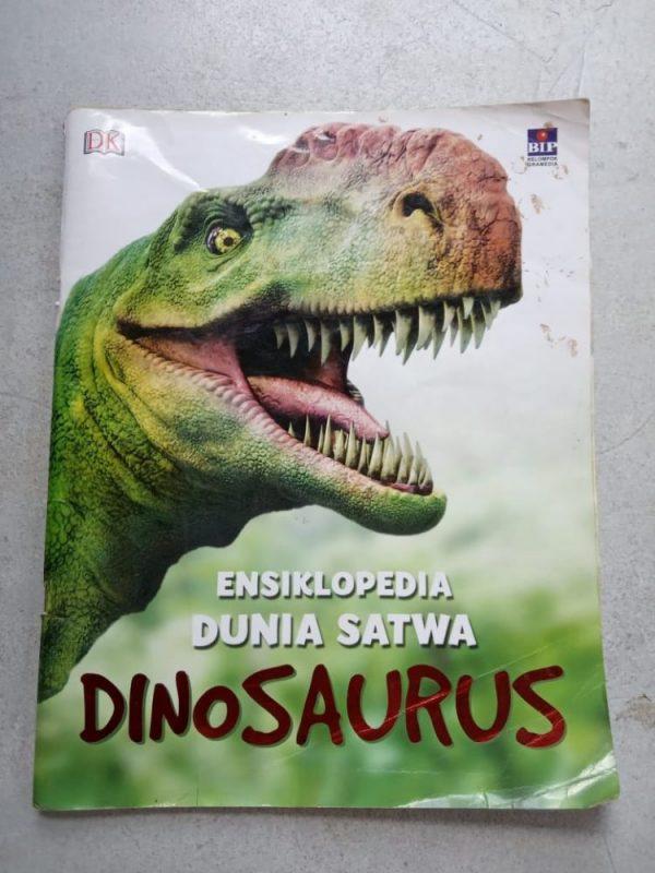 Buku Cerita Bergambar - Ensiklopedia Dunia Satwa Dinosaurus