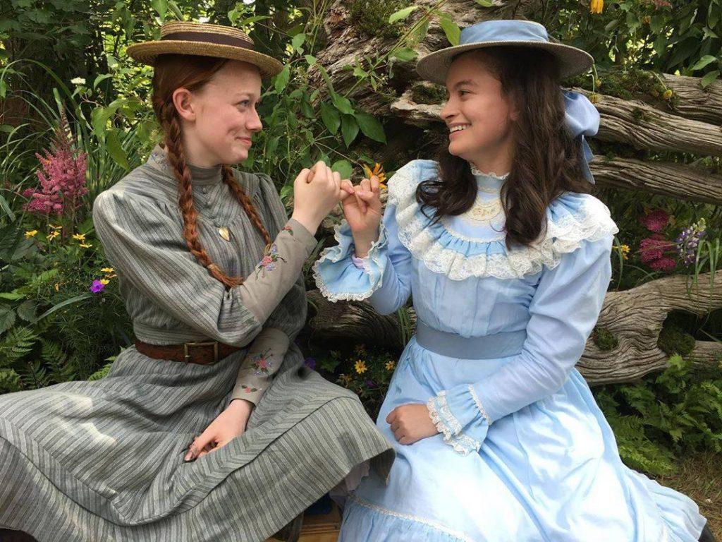 Anne dengan sahabatnya Diana